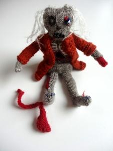Strick-Zombie mit Strick-Magen