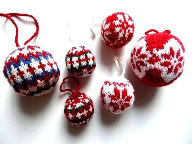Entdeckung der Woche: Julekuler – Strickerei für den Weihnachtsbaum