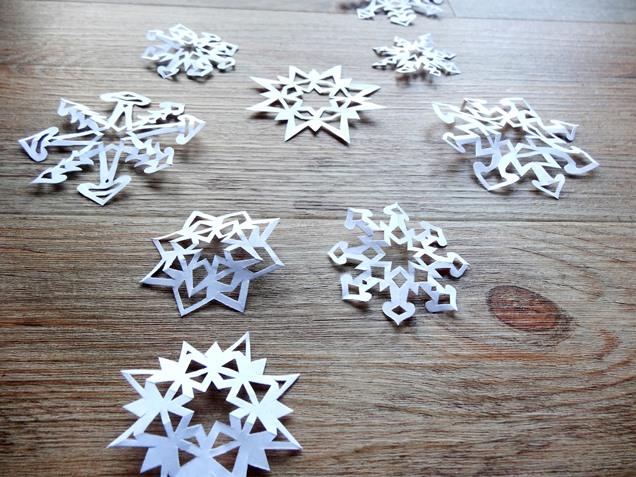 anleitung schneeflocken basteln weihnachten diy 12