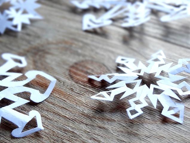 anleitung schneeflocken basteln weihnachten diy 13