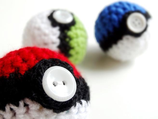 """Entdeckung der Woche: Amigurumi-Pokéball häkeln mit """"Ribbelmonster"""""""