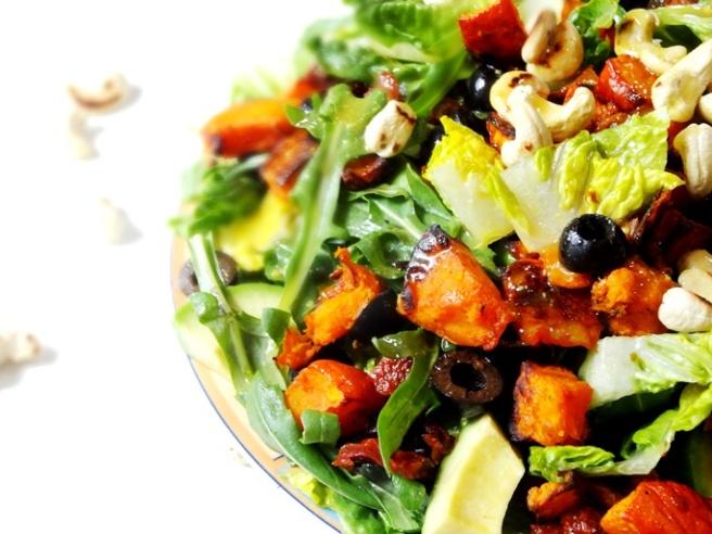 Rezept: Sommersalat mit Kürbis und Cashews