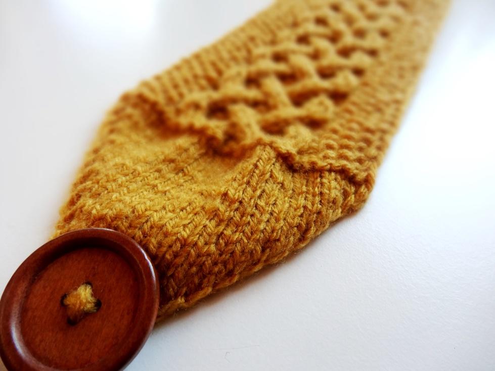 Anleitung stirnband mit keltischem zopfmuster stricken - Muster streichen ...