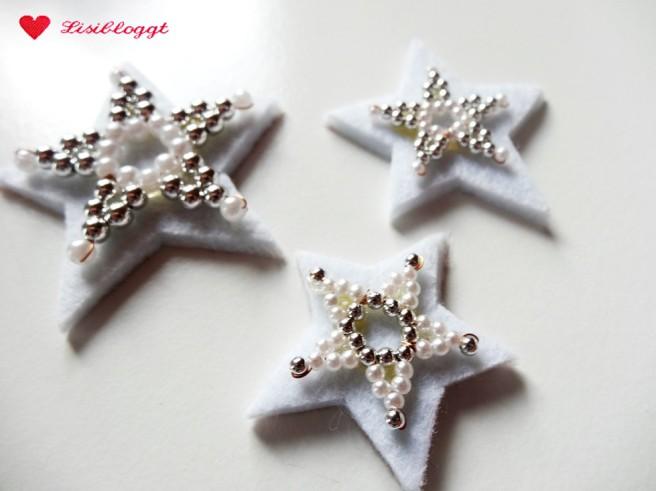 Anleitung: Weihnachtlichen Türkranz stricken