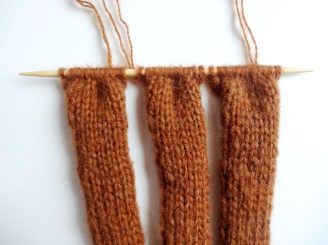 Anleitung: Geflochtenes Stirnband stricken für Einsteiger