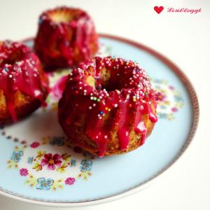 Rezept: Mini-Kirsch-Gugelhupfe mit Kichererbsenmehl (vegan, glutenfrei)