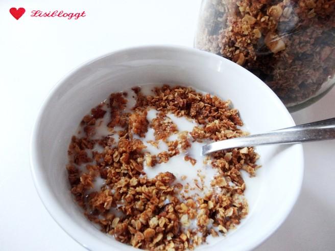 Rezept: Kokos-Knuspermüsli selbst machen (vegan, glutenfrei)