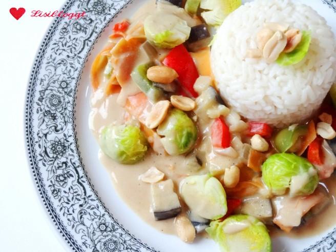 Rezept: Erdnuss-Wok mit Rosenkohl