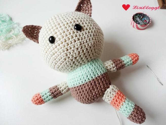 Anleitung: Amigurumi-Kitty aus veganem myboshi-Garn häkeln (Produkttest*)