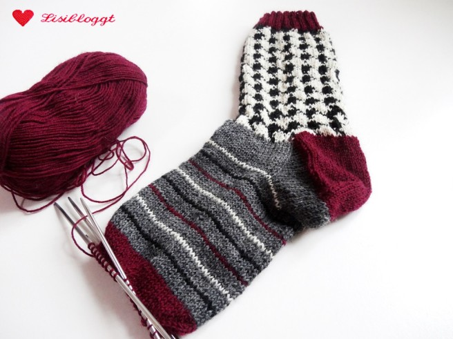 Anleitung: Socken mit Hahnentritt-Muster