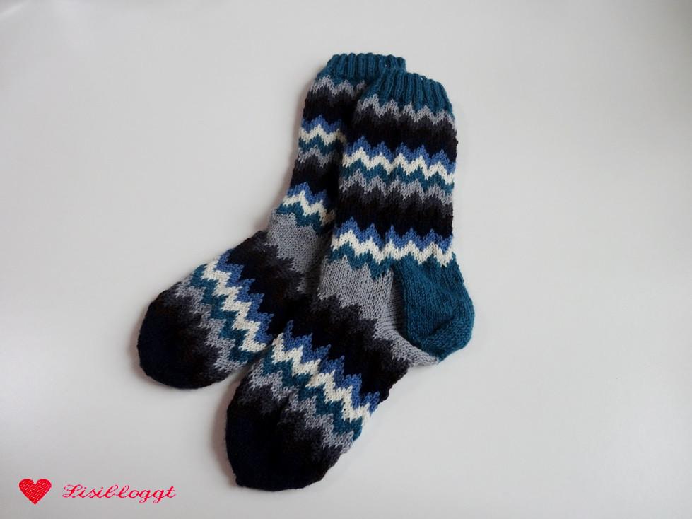 Anleitung: Socken mit Zickzack-Muster stricken | Lisibloggt