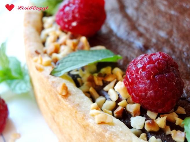 Rezept: Vegane Schoko-Tarte mit Himbeeren