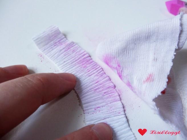 Anleitung: Zarten Blütenkranz aus Krepp-Papier basteln