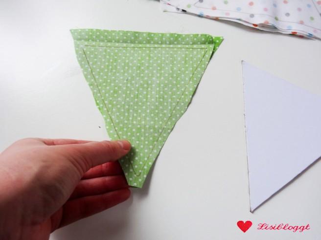 Anleitung: Wimpel-Girlande aus Stoff nähen